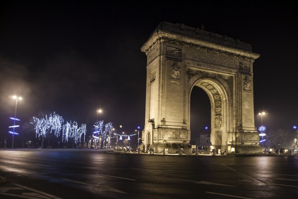 The Triumphal Arch Bucharest.jpg