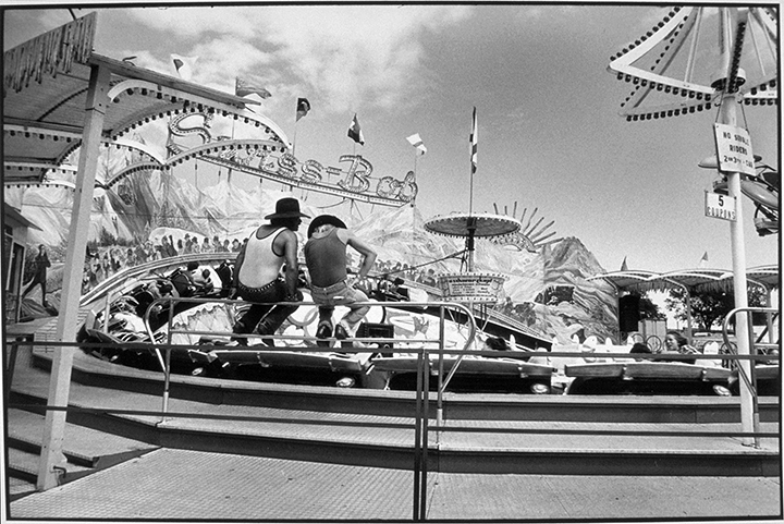 State Fair, Minnesota, 1978 Early gelatin silver print 5.5x8.25 inches, 7x11 paper