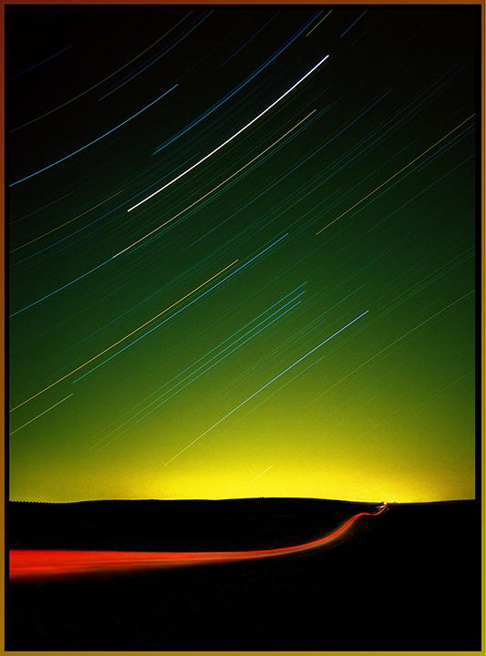 Mars Over Minneapolis©BillKrumholz/SquirrelStock.com