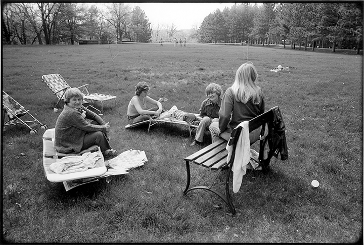 T1_008_z 0003_phyllis flatbeds_daughterinlaws.jpg