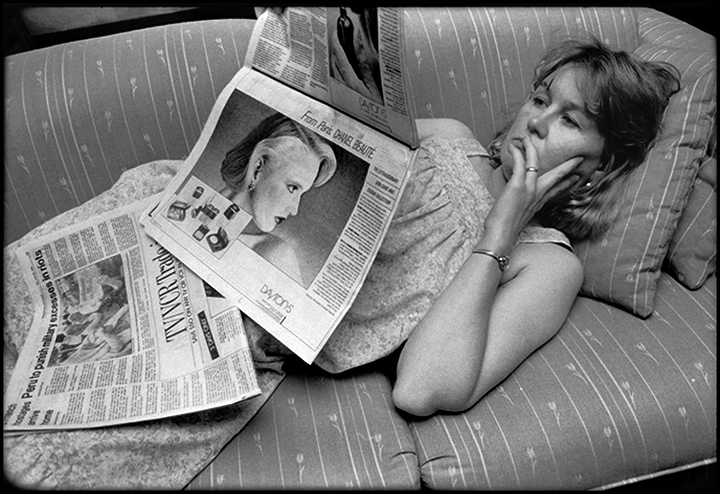 T1_038_pk036 86 BW11.22 0005_phyllis prepped dscans pt2.3_reading newspaper_MOD1.jpg