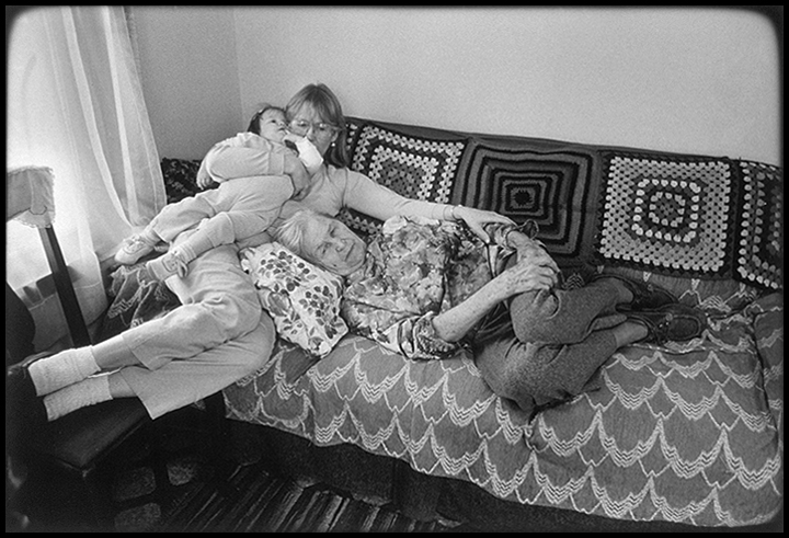 T1_064_pk071 86 BW12.1 0003_cd 3258 files_3258-0057.jpg