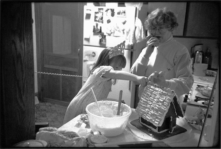T1_082_pk095 91 BW13.26 0004_ phyllis drum scans pt2_making gingerhs.w-elsb.jpg