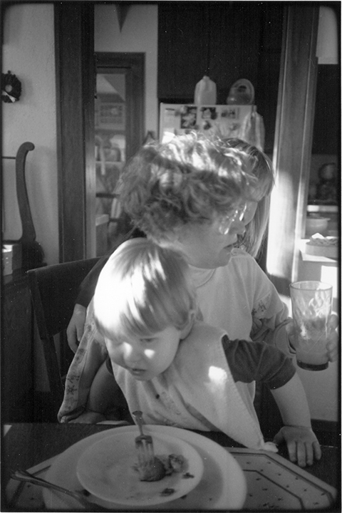 T1_083_pk096 91 BW13.26 0003_phyllis flatbeds_tryingtoeat!.jpg