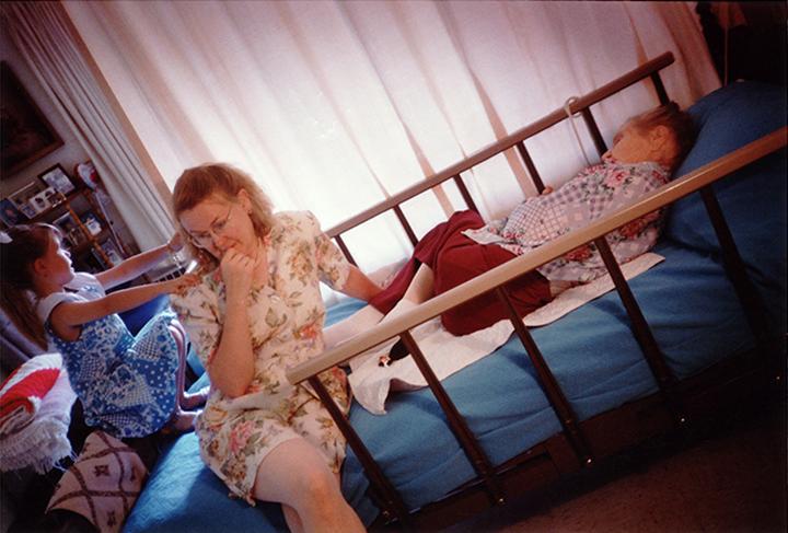T1_117_pk136 93 B4.34 0005_phyllis prepped dscans pt2.2_3 generations on bed @eben.jpg