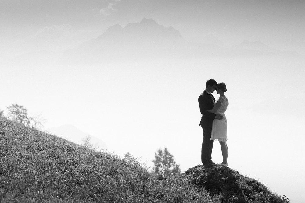 Maleana Verlobungsfotos in Küssnacht mit Pilatus