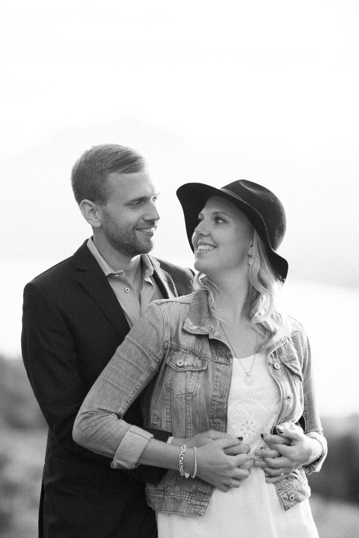 Schwarzweisse Paarfotos auf der Rigi (Maleana Hochzeitsfotograf)