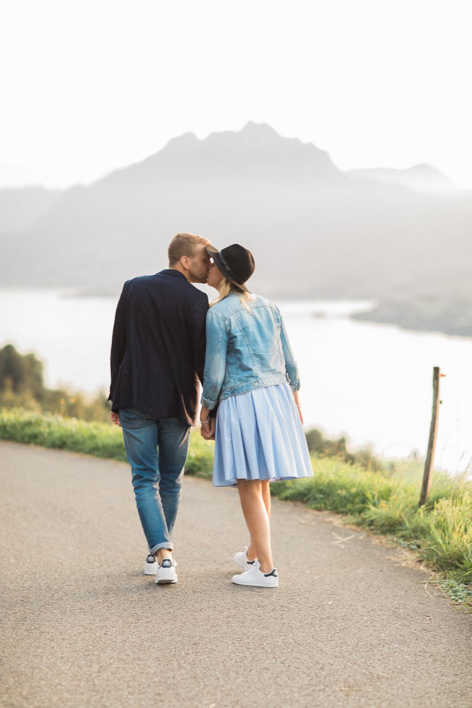Schlichte Verlobungsfotos in Luzern (Maleana Hochzeitsfotograf)