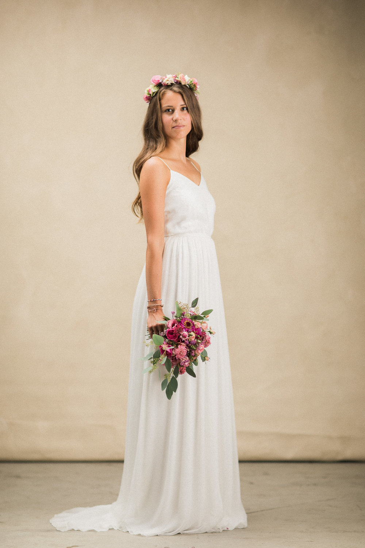 Maleana Boutique schlichtes und leichtes Hochzeitskleid