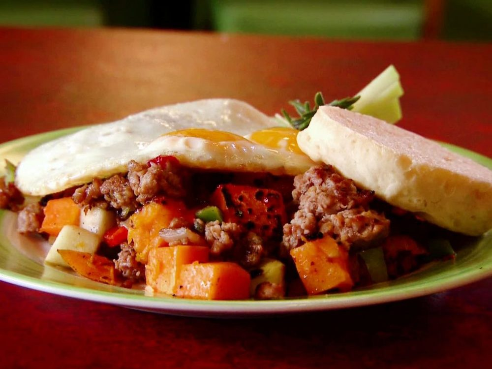 DV1606H_winter-squash-and-apple-hash-recipe_s4x3