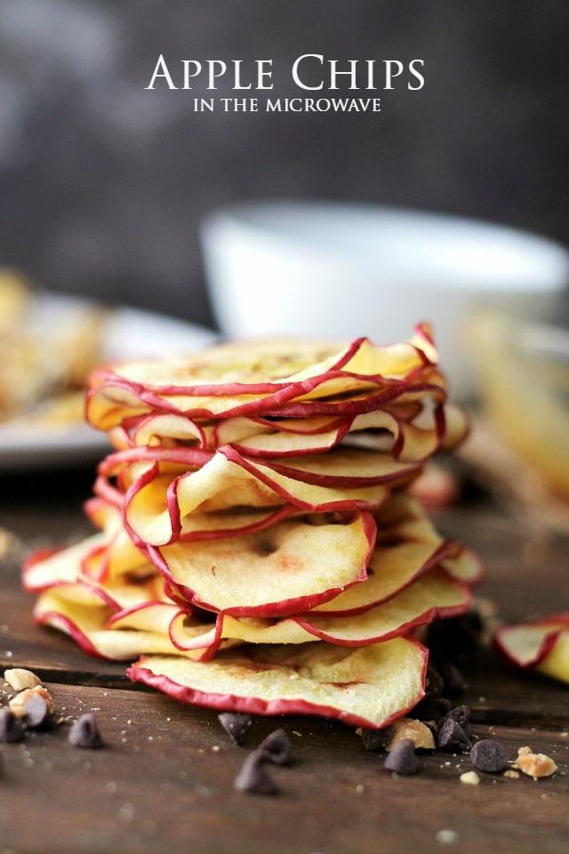 Baked-Apple-Chips-in-Microwave.jpg
