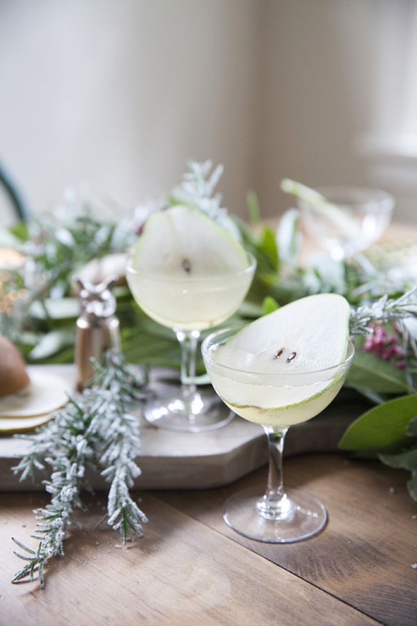 the-pear-tree-holiday-cocktail-recipe-with-gin-and-kombucha-via-coco-kelley_1.jpg