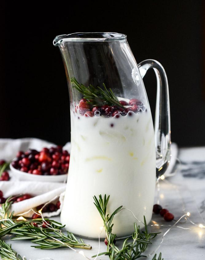 white-christmas-margarita-punch-I-howsweeteats.com-4.jpg