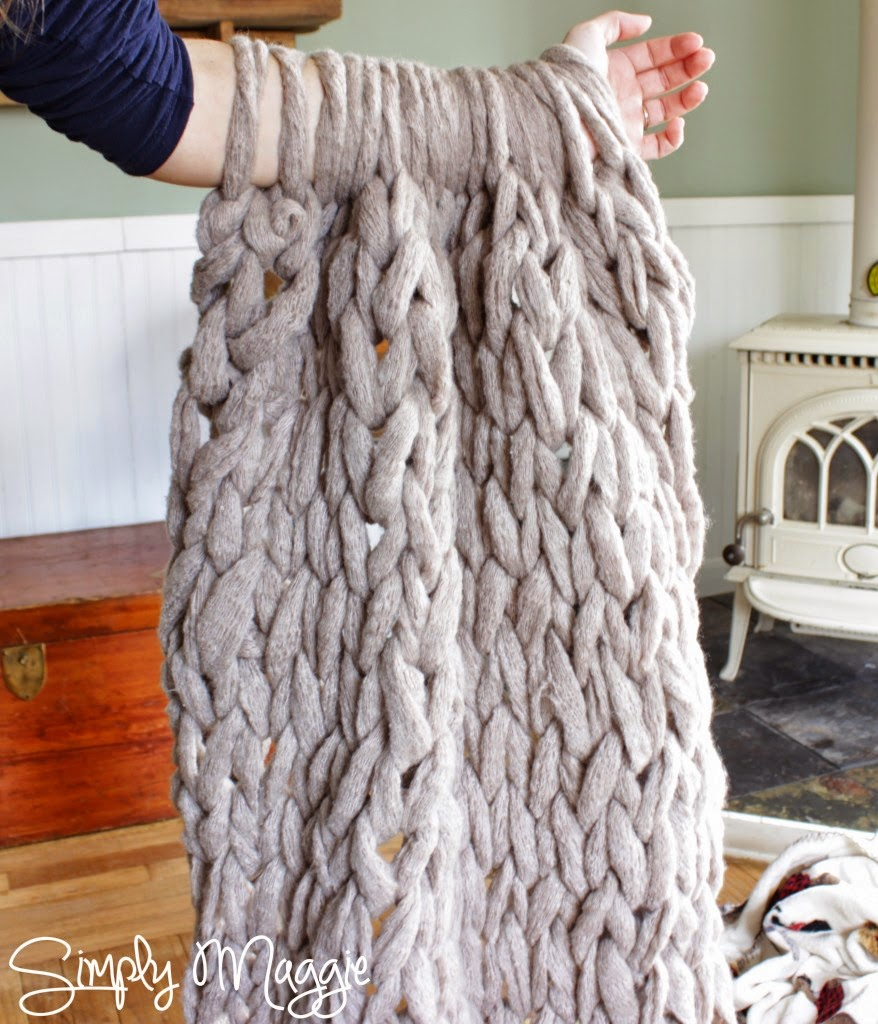 Arm Knit a Blanket in 45 Minutes (2).jpg