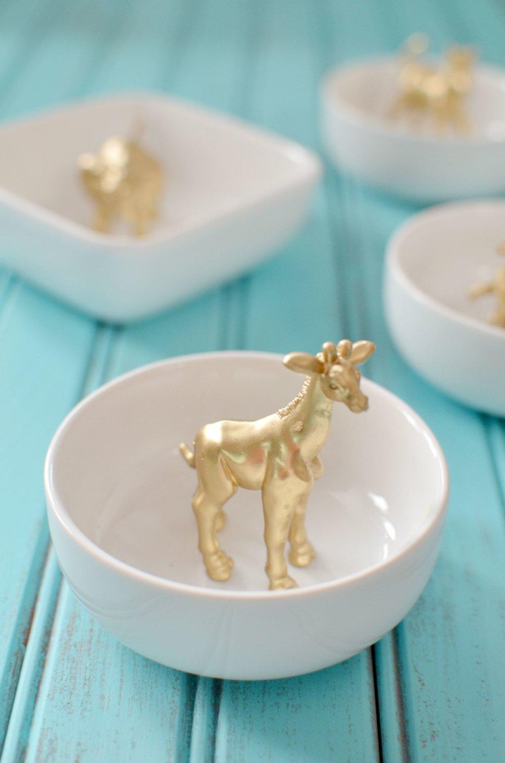 gold-giraffe-ring-dish.jpg
