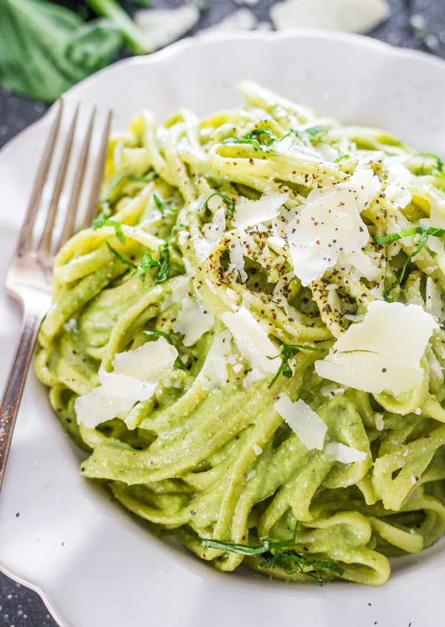 avocado-and-spinach-pasta.jpg