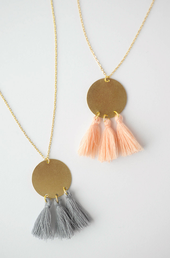 diy-gold-tassel-necklace-3-2.jpg