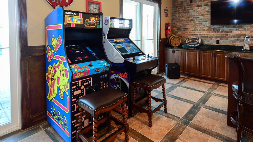ER009-arcade.jpg