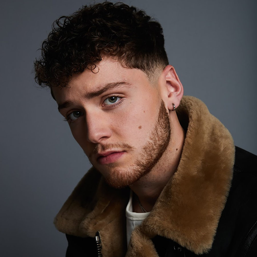 BAZZI - TOUR MGMT - PROMO MGMT - AWARD SHOWS - LIGHTING DESIGN - STAGE DEISGN - VIDEO CONTENT - TOUR SOUND