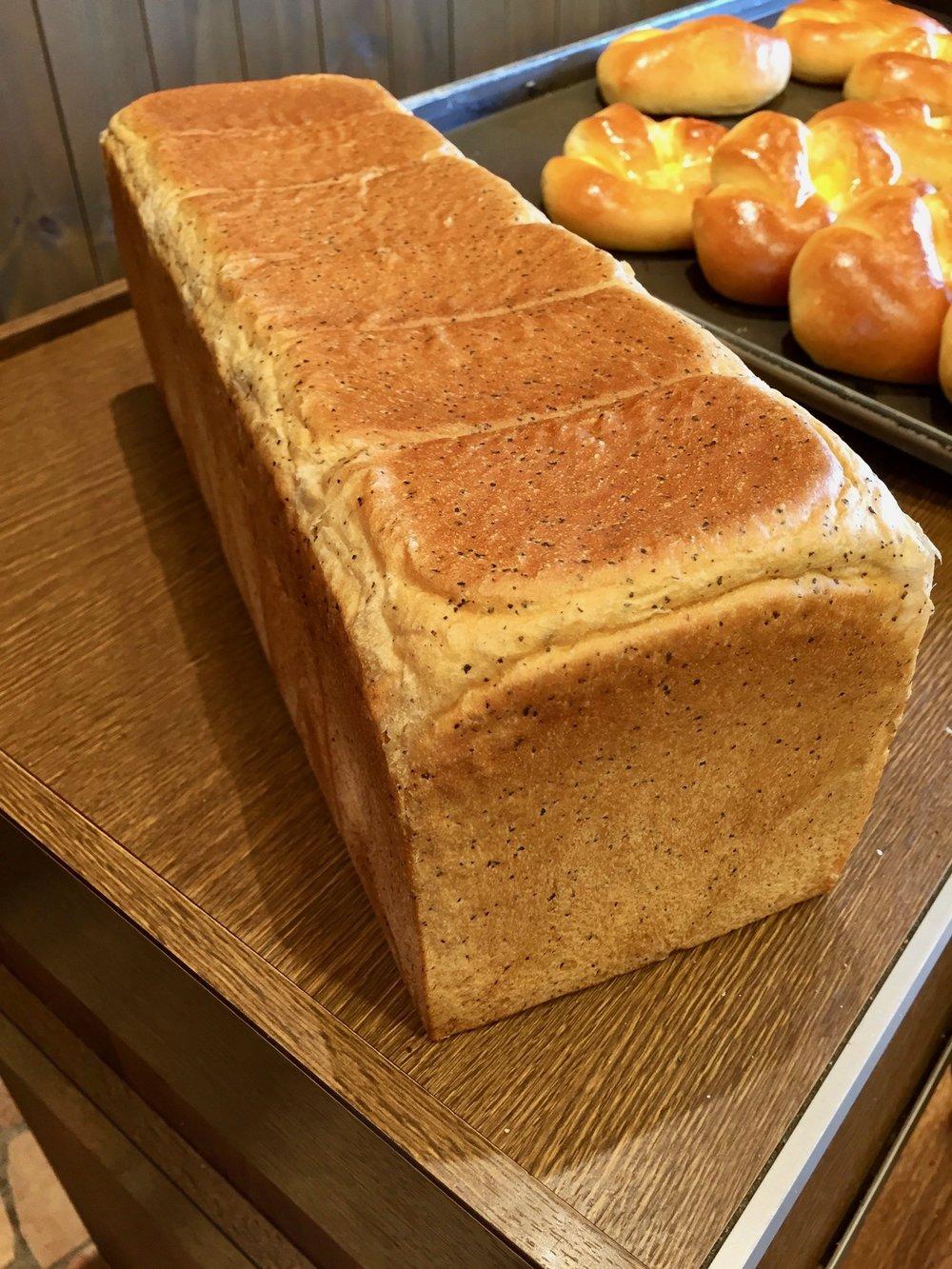 ロイヤルミルクティー食パン