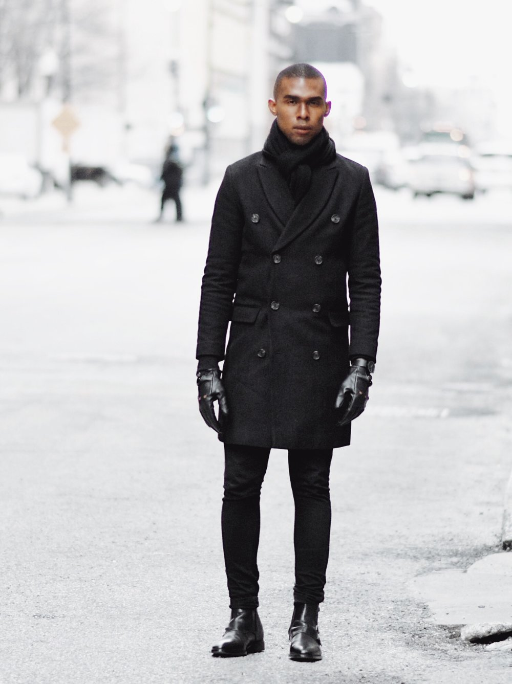 The-Look-Principle-Black-Overcoat-In-The-Winter.jpg