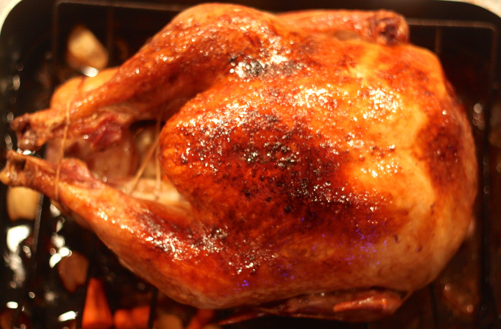 the-pig-and-the-fig-maple-bourbon-roasted-turkey-with-roasted-apple-and-vegetable-gravy