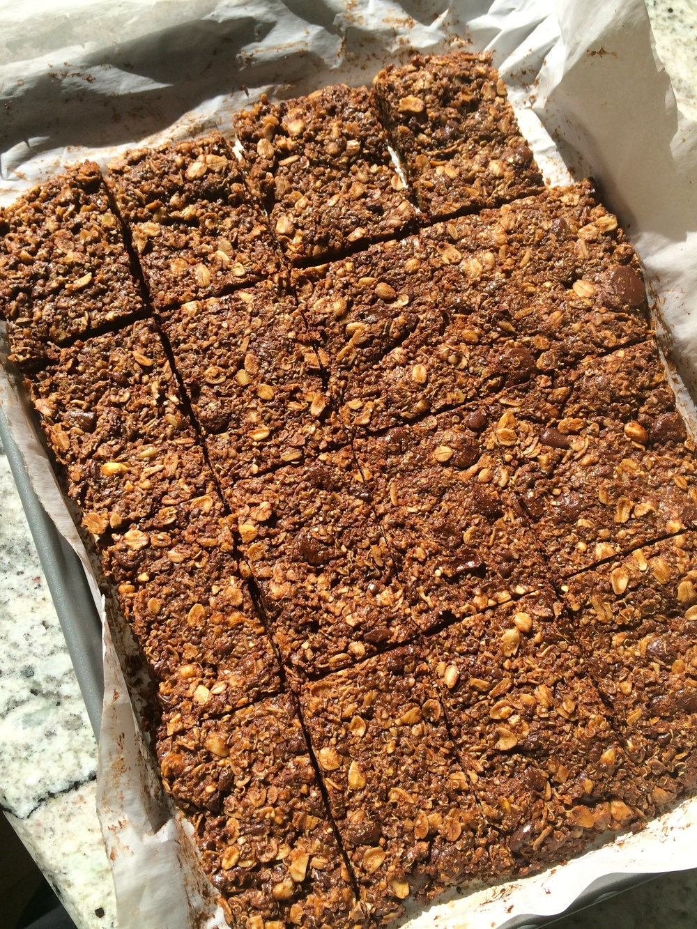 chocolate and quinoa energy bars