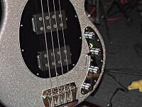 guitar_close-up.jpg