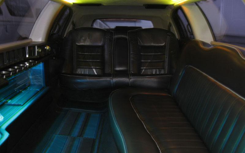 Lincoln_back_seat.jpg