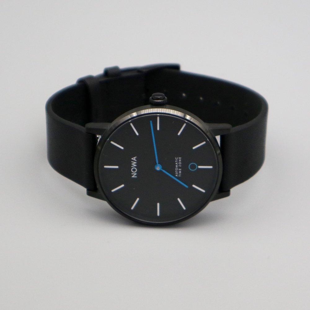 Shaper_NOWA_Black_Smartwatch_Overview