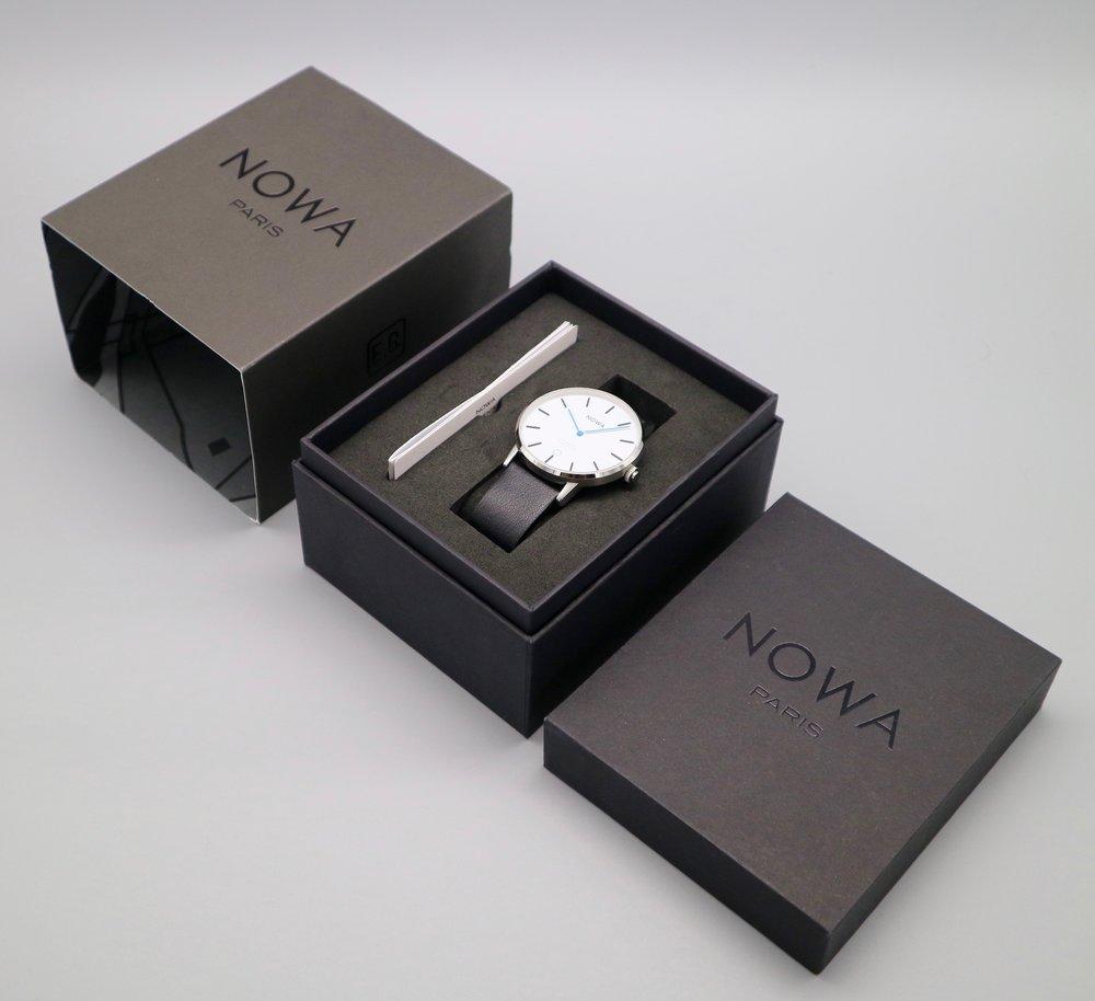 Nowa_Smart_Watch_In_Box.jpg