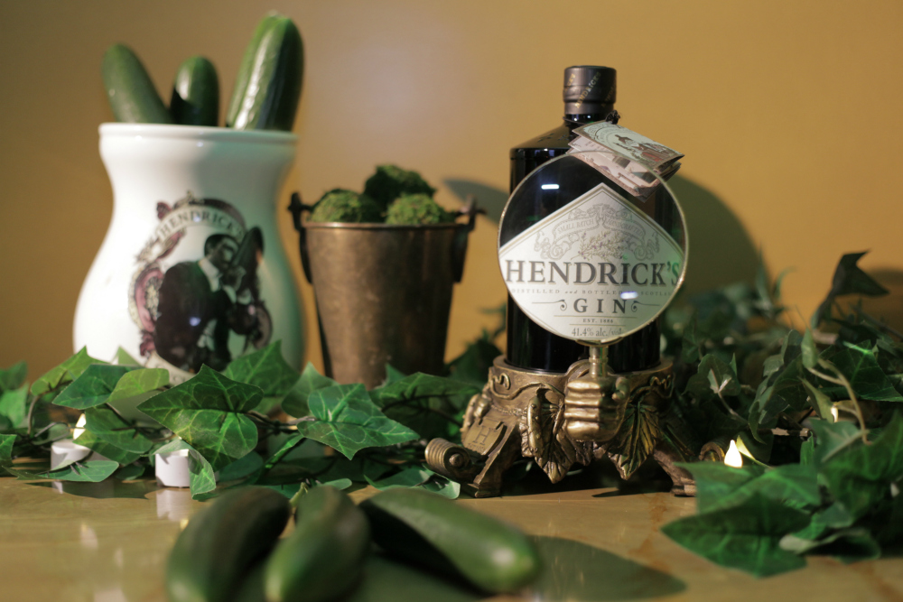 About last nightHENDRICKS GIN SOIREE - Guests were treated to tea leaf readings, cucumber inspired canapés and a personal highlight of the night cucumber sorbets in celebration of Hendrick's Gin's unusually Australian Cucumber.