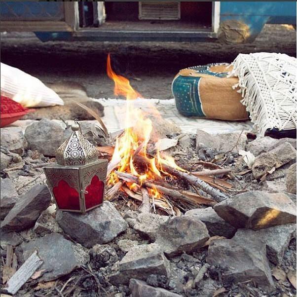 Camp vibes 👌🏼 . . . . #magdathemagicbus #homeonwheels #vanlifeinspiration #vanlifeinspo #vanlifejournal #bohemianlifestyle #vangirlsrule #vangrrrl #ThisisVanlifeing #VanlifeMagazine #CamperLifestyle #vanlifeexplorers #vanlifeideas #tinyliving #vanlifedistrict #vangoals #vancrush  #projectvanlife #vanlifeclub #vansweetvan #vanlifecontent #homeontheroad #vanlifedreams #vanlifeideas #magicbus #glamping #itsvanlife #campvibes #buslifestyle #buslife