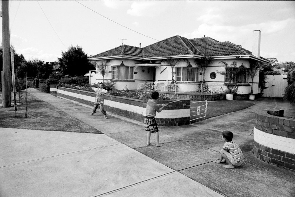 STREET CRICKET / PASCOE VALE MELBOURNE