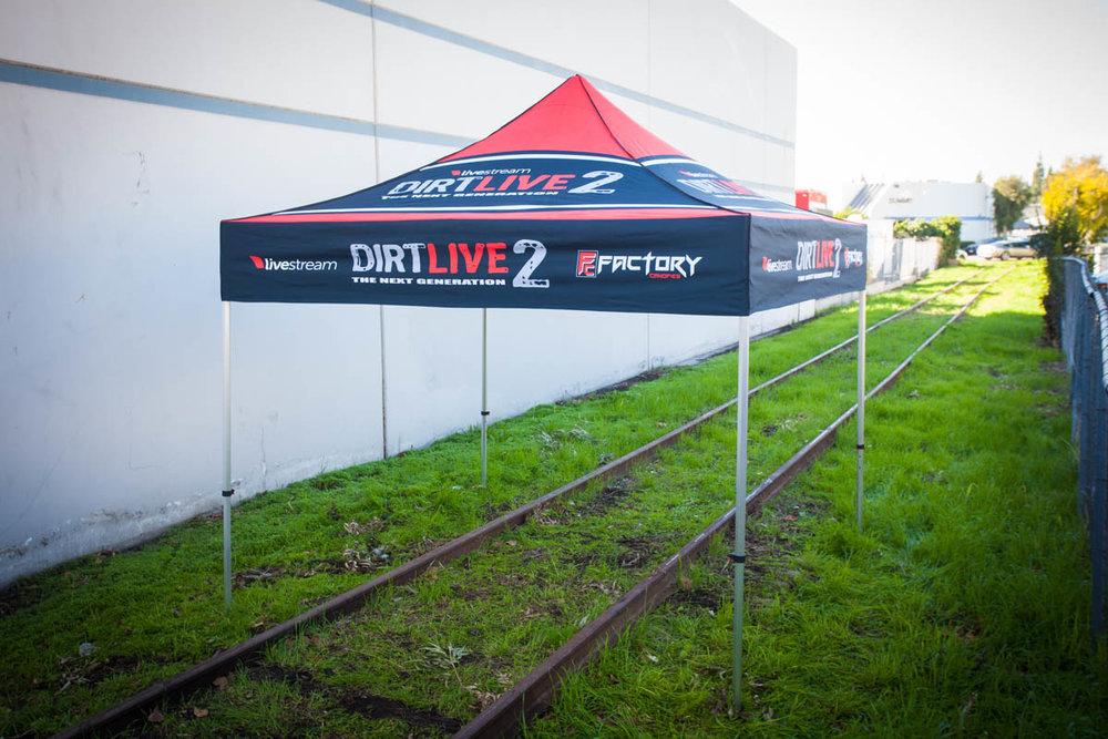 Dirt Live 2 - 10' x 10'