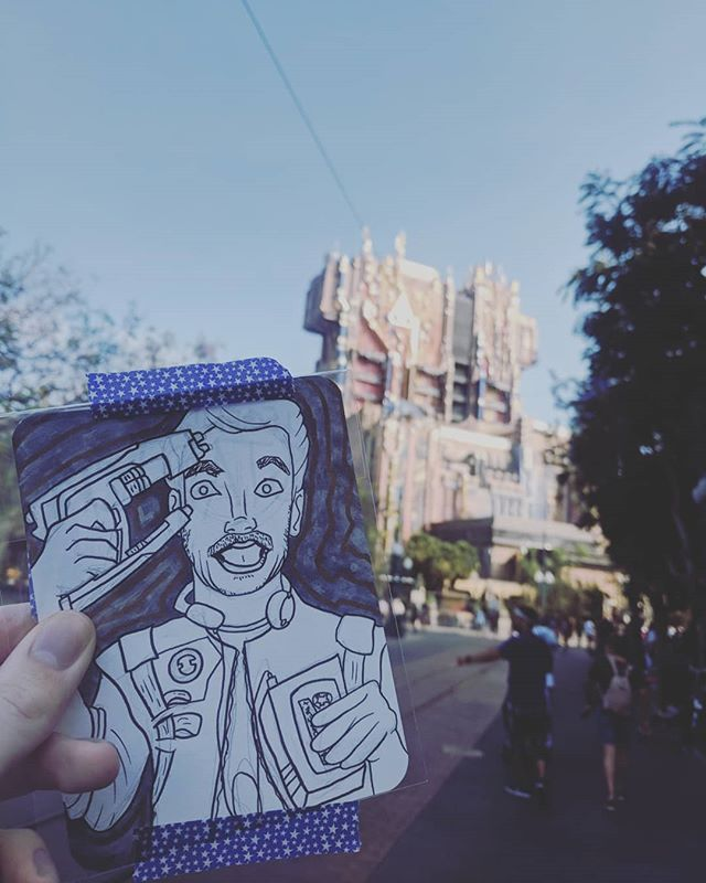Art drop at Disney! The Legendary Star Lord aka @prattprattpratt ••••• (( #disneyland #disney #artdrop #gotg #guardiansofthegalaxy #californiaadventure #starlord #marvel #drawing #illustration ))