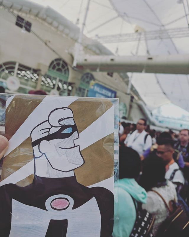 Day 1 art drop at SDCC! ••••• (( #comiccon #disney #artdrop #incredibles #pixar #drawing #illustration #theincredibles #mrincredible #incredibles2 #sandiegocomiccon #sdcc #sdcc2018 ))