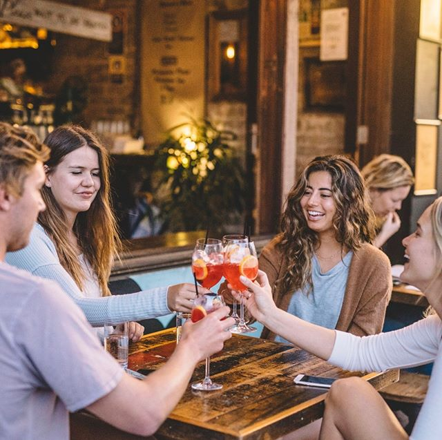 Our favourite Italian tradition is the aperitivo 🥃 Fun Fact: an apperitivo involves the pairing of a beverage with snacks to wet your whistle before dinner and socialise with pals while you're doing it! . Visit us between 12pm-4pm all weekend if snacking, drinking and hanging sounds ideal to you! . #neighbourhoodbondi #bondi #cheapeats #aperitivo #bondieats