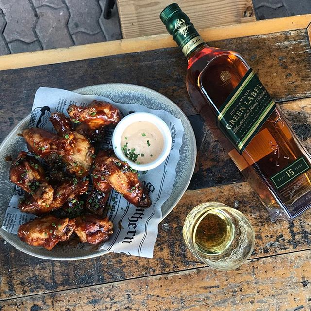Spice up your night with our new Asian Jerk wings! Or if you don't like a little spice, go for these classic Bourbon BBQ wings. We're also gonna give you a cheeky 30% off selected whiskies 💸 . #neighbourhoodbondi #bondi #whisky #cheapeats #wings