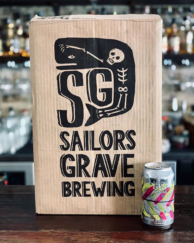 "🔥GET IT WHILE IT'S HOT! 🔥  Or should we say perfectly chilled?  Fresh in from our friends @sailorsgravebrewing is this weeks deliciously refreshing Bartenders Beer the ""Featherlight"" seasonal Berliner Weisse brewed with Passionfruit. 🍻  Mmmm..... totally tropical!  #ThisIsOurHood #sailorsgrave #bondibeach #sydneysmallbars #bartendersbeer #beer"