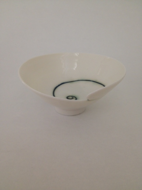 SOLD Minature carved rim bowl  £25