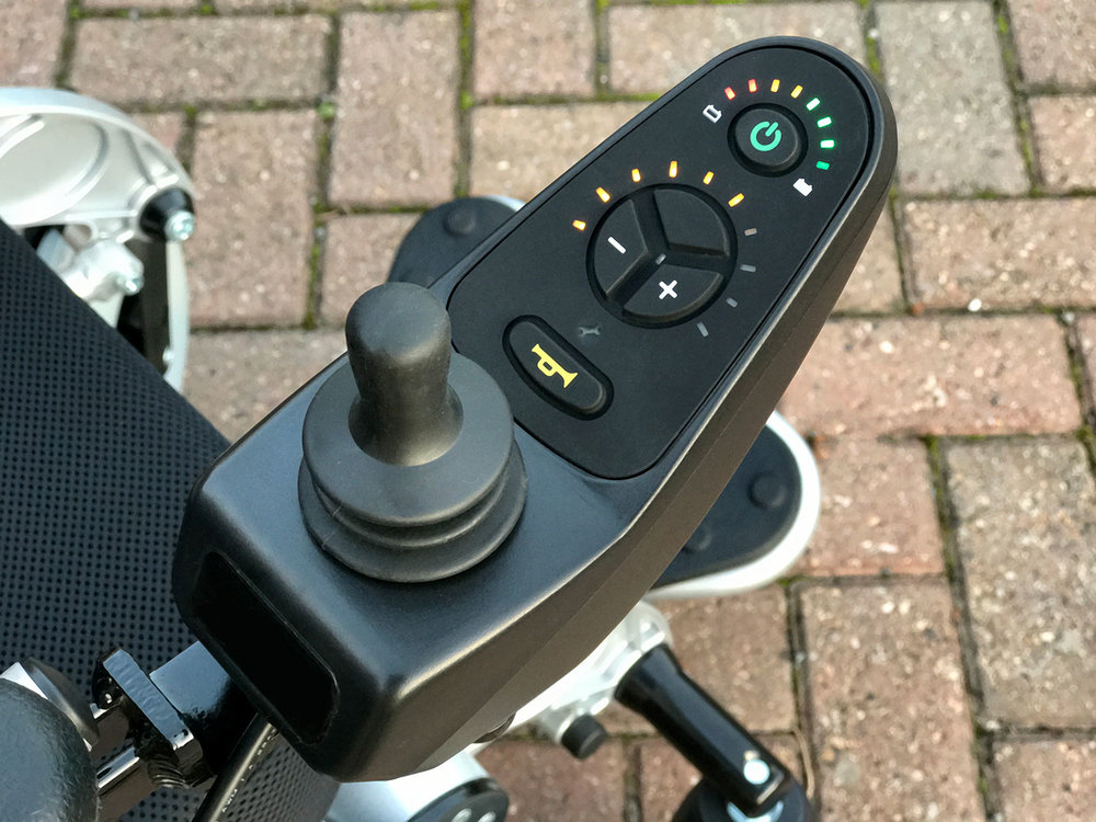 Easy to use and very smooth in operation, the joystick has power and speed control buttons plus a horn. It can also be locked to immobilise the chair.
