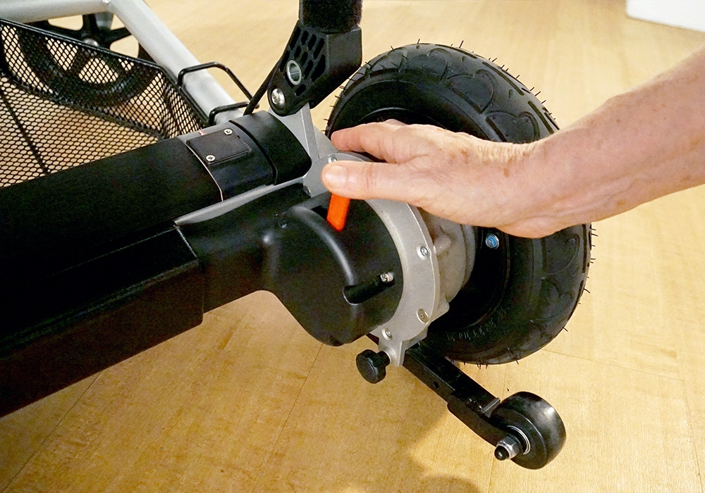 The brushless motors can be disengaged to allow JoyRider to freewheel. Useful if using the chair as a rollator for exercise.