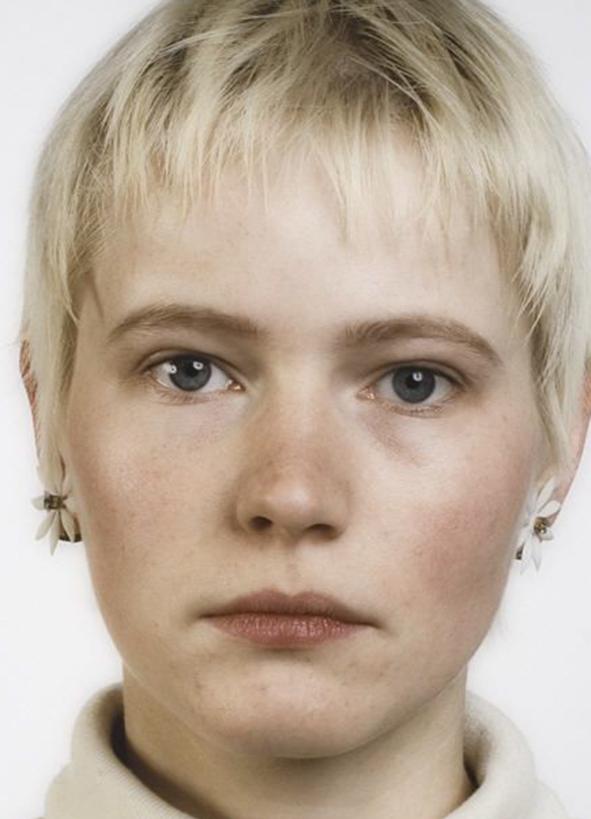 Thomas Ruff, Portrait, (Andrea Kachold), 1987