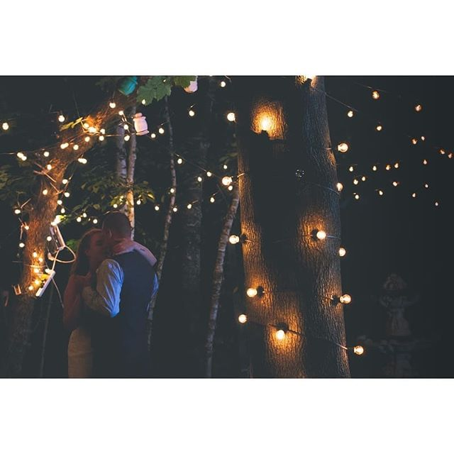 When a wedding has the most romantic set up! 😍 . . . #wedding #weddingbells #weddingphotographer #weddingday💍 #kingandqueen #firstdance #photooftheday #photographer #fairytail #fairylights #nature #canada #gta #toronto #torontophotographer #art #brideandgroom #photographers #photographersofinstagram #likeforlike #like
