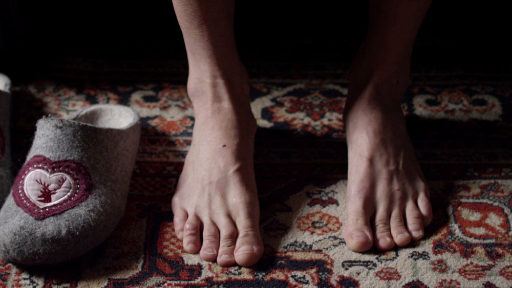 LISTEN TO THE GRASS GROW  (STUDENT FILM / PREMIERE) 2017 | Russian Federation | 24'34'' Director: Kristina Daurova Choreographer: Mariia Vlasova, Kristina Daurova  She is remembering her past through her body. She is placing the memories into a space where they don't belong.