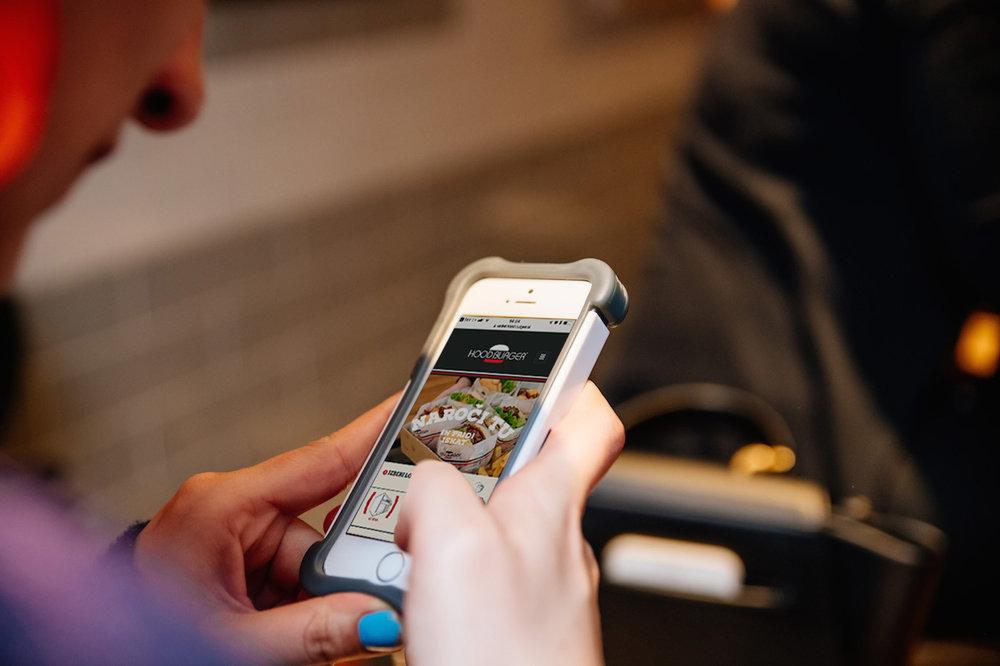 Digitalno   Naroči online in pridi iskat    Poskusi