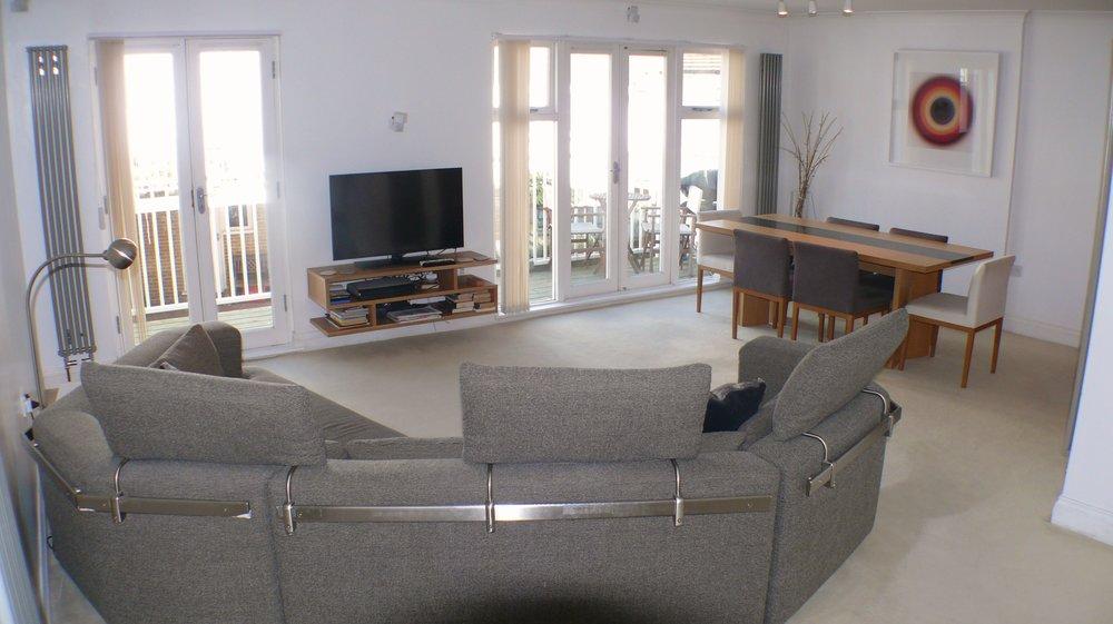 slipway lounge 1.jpg