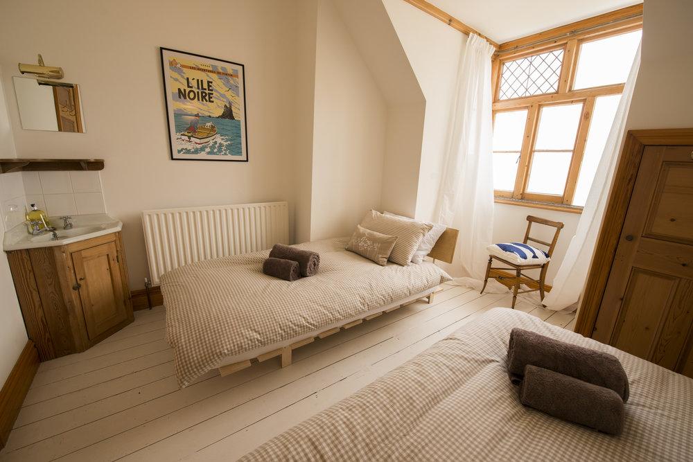 Kiora Twin room.jpg