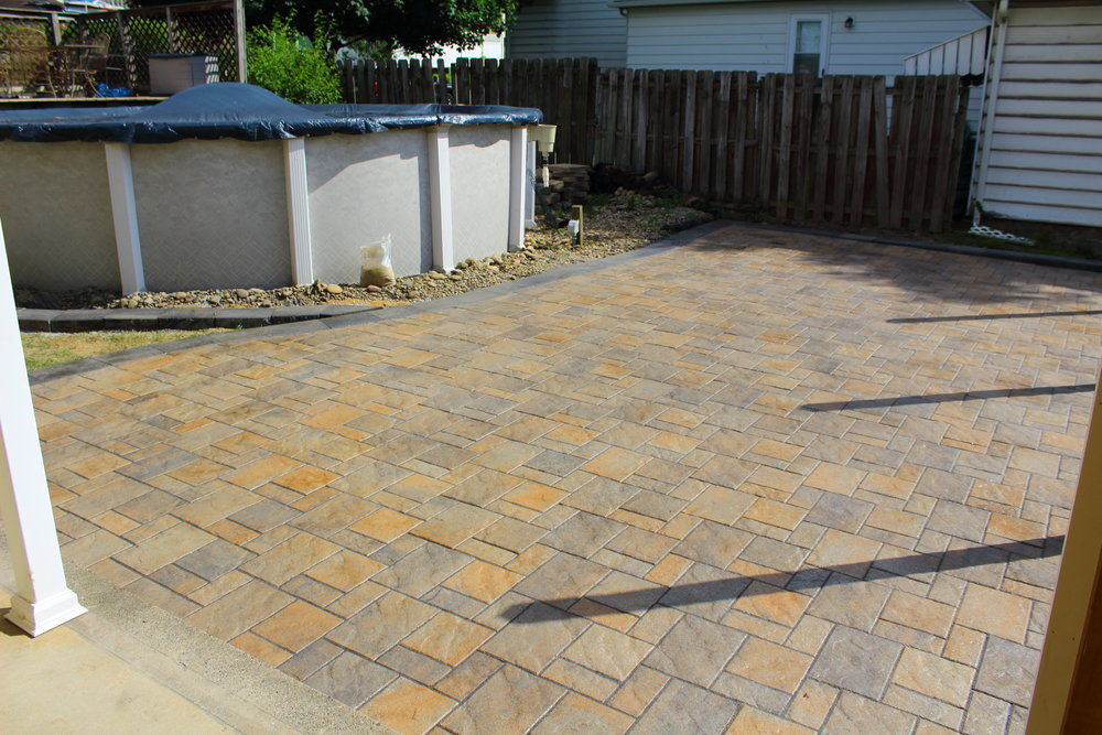 Paver Patio #2.JPG